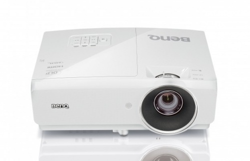 Proyector BenQ MH750 DLP, 1080p, 4500 Lúmenes, 3D, con Bocinas, Blanco