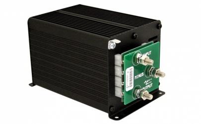 Samlex Convertidor de DC1 - DC2 Entrada 20-35V, Salida 13.8V