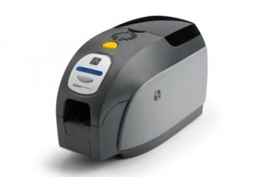 Zebra ZXP SERIES 3, Kit de Impresora para Credenciales, 300 x 300 DPI, USB 2.0, Negro/Gris - incluye Software, Webcam, Cinta y 200 Tarjetas