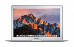Apple MacBook Air MQD32E/A 13.3'', Intel Core i5 1.80GHz, 8GB, 128GB SSD, Plata (Agosto 2017) ― Incluye Docking Station SD1600P