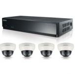 Samsung Kit de Vigilancia SRK-3040S de 4 Cámaras CCTV Domo 2MP y Grabadora NVR PoE 1TB de 4 Canales