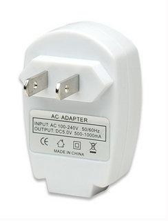 Manhattan Adaptador de Corriente Universal 407489, USB, 100 - 240V, 50/60 Hz, Blanco